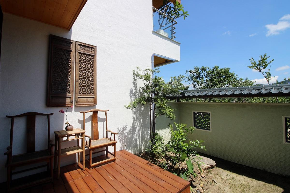 03.「散步的雲生態民宿」的客房間間不同,還設有陽台可賞景發呆。