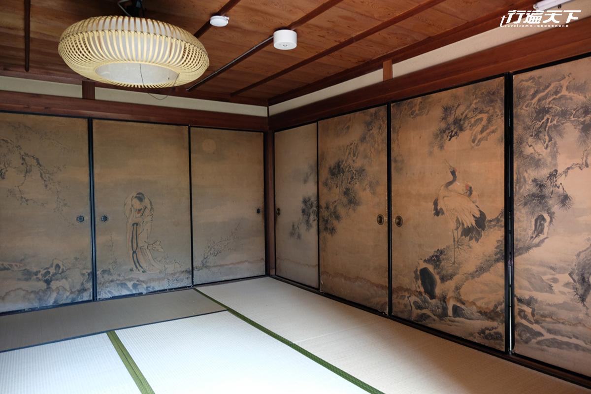 ▲Nishilma25屋內精美的襖為飯塚竹1847年的作品。