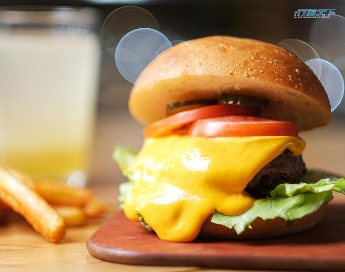 漢堡,樂檸漢堡,來樂檸穿短褲,THEFREEN BURGER,起司流成河大俠牛堡,起司瀑布