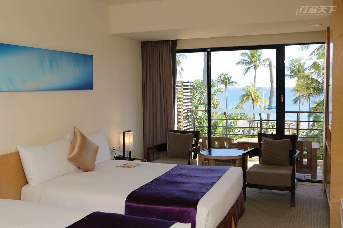 ▲從房間的大窗就能賞覽藍天碧海美景。