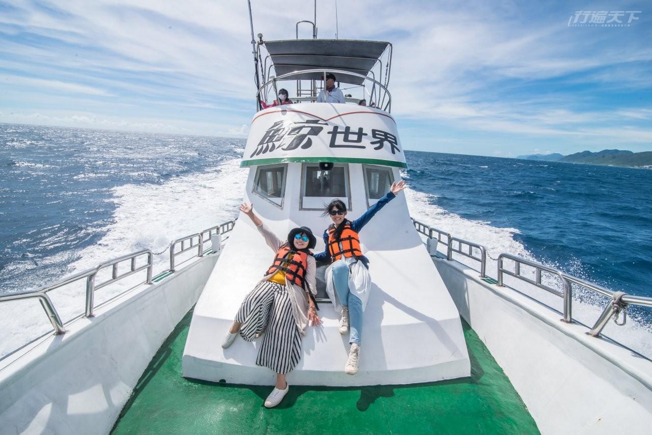 ▲跟著賞鯨船出遊,在花蓮外海有高達95%機率看得到鯨豚。