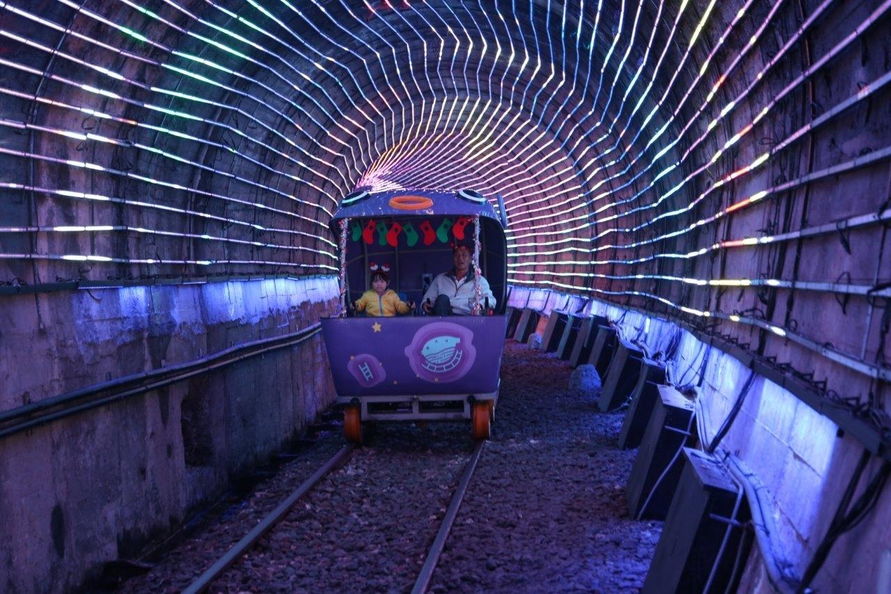 深澳鐵道,自行車,八斗子,深澳,耶誕,聖誕,實境遊戲,光廊