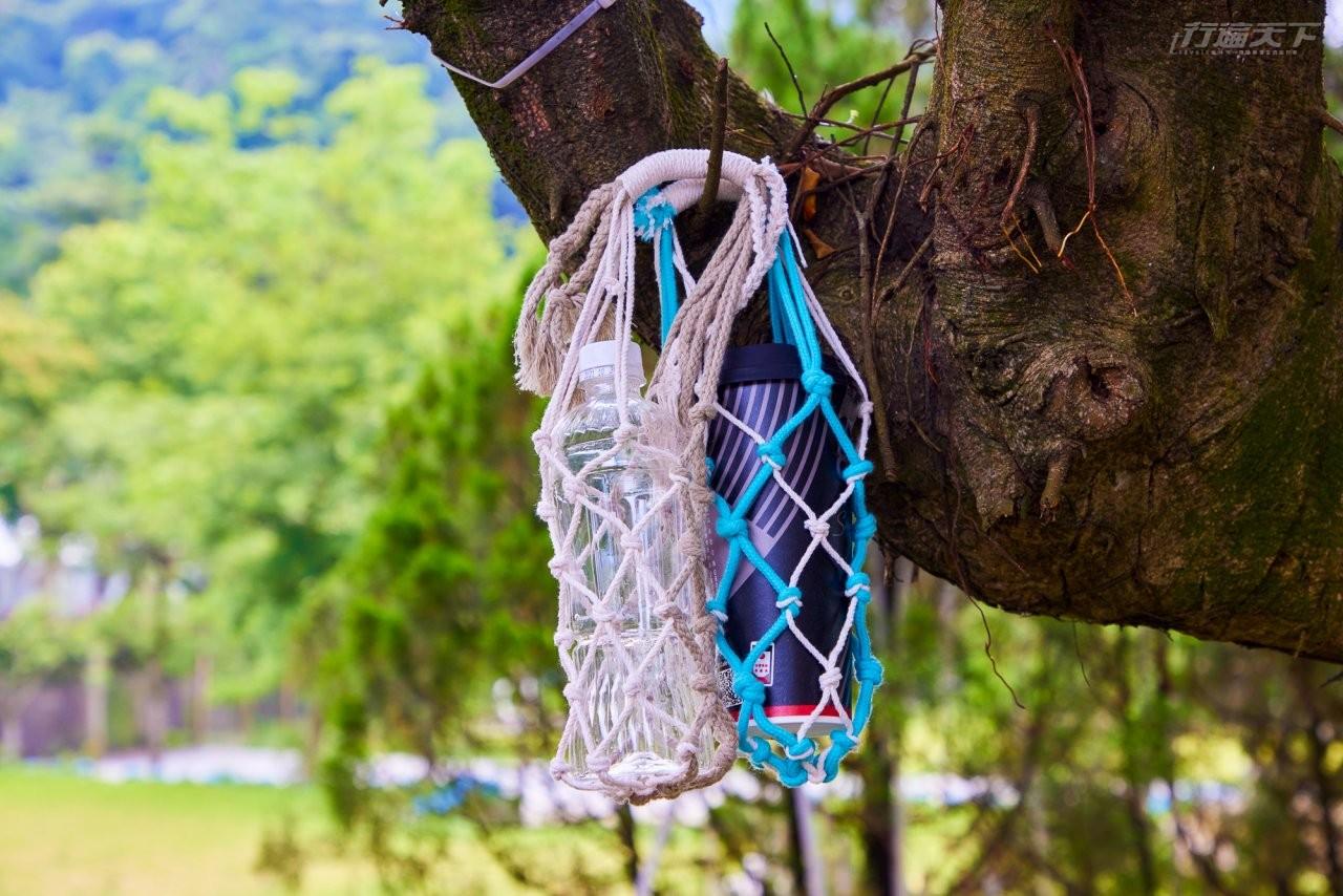 ▲童軍結繩DIY活動,帶大家製作專屬的杯套,十分討喜。
