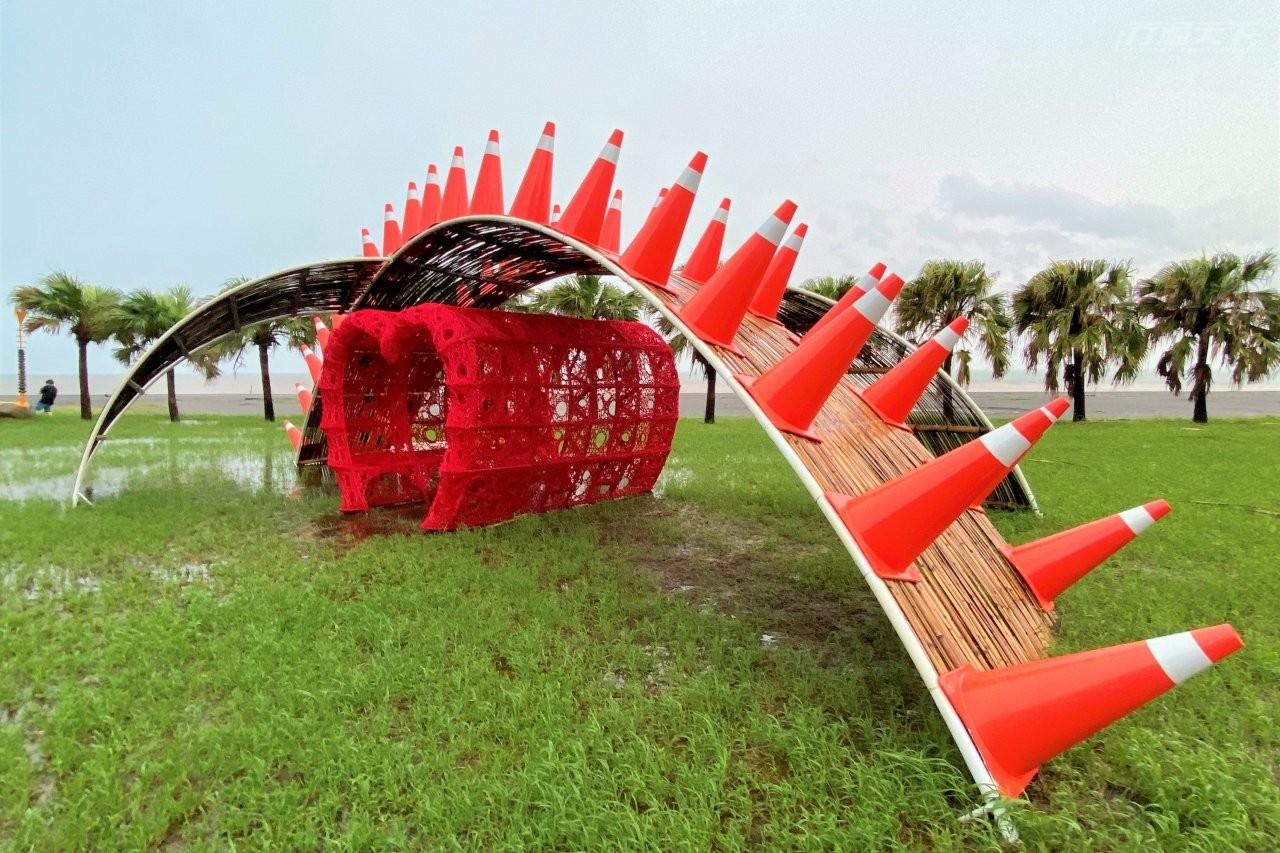 ▲尚武9420濱海休憩區的《起點》由藝術家安聖惠創作。