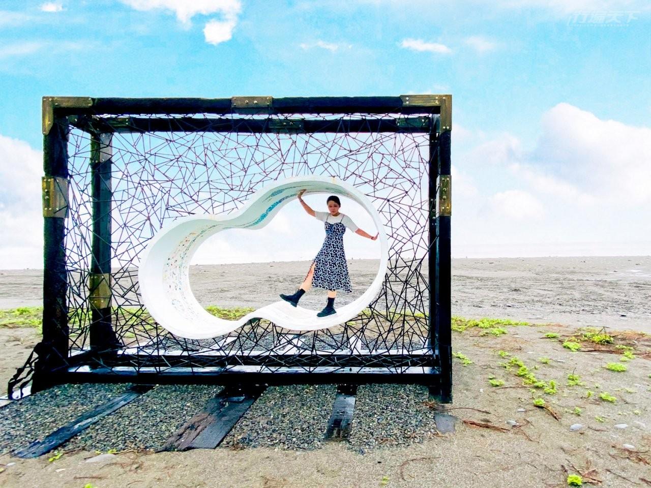▲《南迴藝術季—Sicevudan從這出發》位於金崙海灘的作品《方圓之間》出自藝術家哈拿,葛琉。